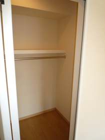 ローズガーデンプレイス 201号室