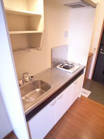 まな板も楽々置けちゃう広々キッチンです!