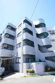 ドミール新田 101号室