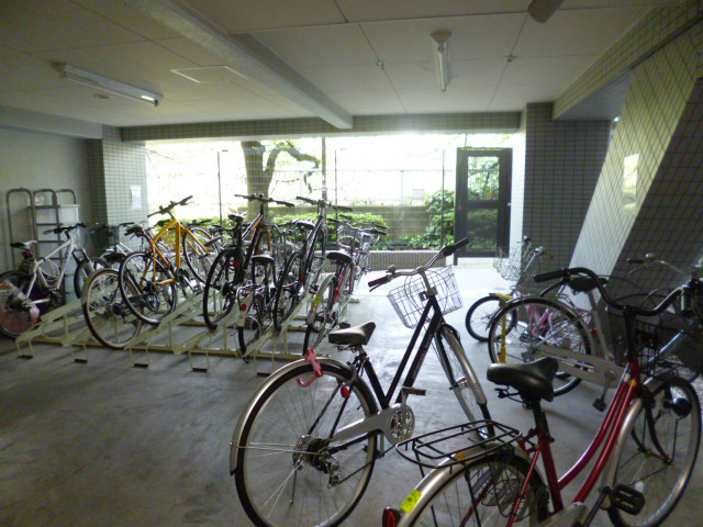 スカイコートルーベンス西早稲田駐車場