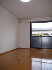 http://image.rentersnet.jp/7d944929-322a-477d-b096-157345ec79ce_property_picture_2419_large.jpg_cap_居室