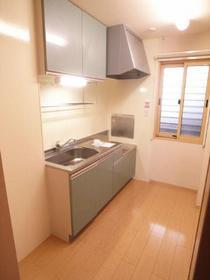 キッチン独立タイプも賃貸には珍しいです。
