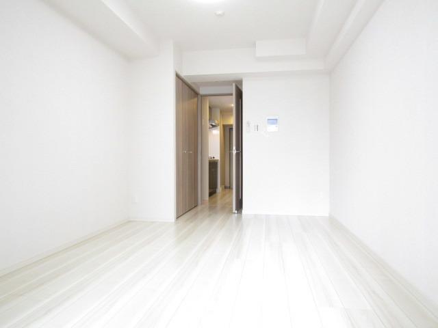 白を基調にした洋室です★