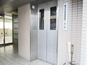 エレベーターも完備