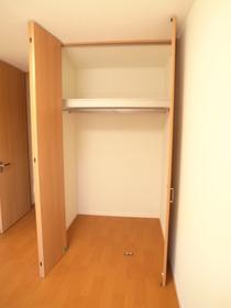 洋室5.4帖の収納スペース