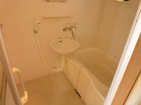 お風呂とトイレ別でこのお家賃はグッド!