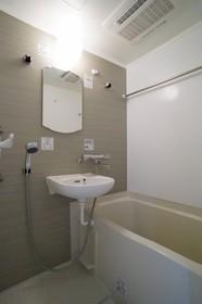http://image.rentersnet.jp/834a0f91-670a-41e9-bdd6-5162b57509e2_property_picture_962_large.jpg_cap_浴室乾燥機・追炊き機能付き