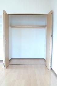 トミー戸越 201号室