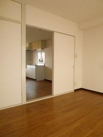 クリエールキクチB棟 303号室