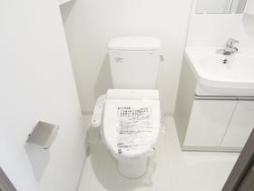 ウォシュレット付きで快適なおトイレです