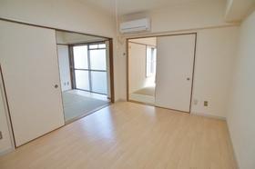メルカーズシオン 202号室