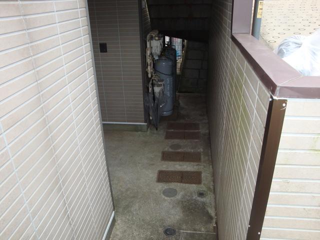 パレス片倉町エントランス