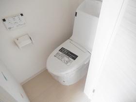 トイレも個別のスペースでゆったりです!