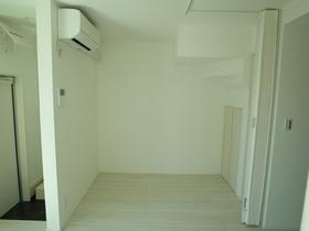 室内は白で統一されてます!