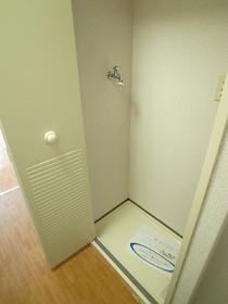 室内洗濯機置き場です☆