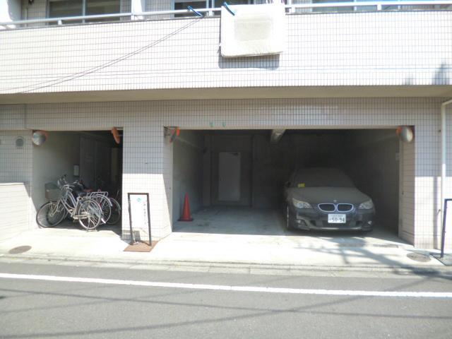 スカイコート八王子駐車場