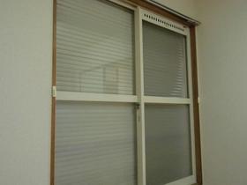 窓用シャッター