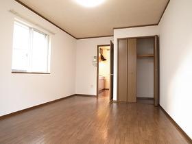 約7.8帖の広めの洋室です♪