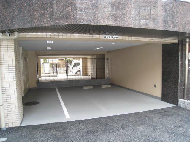 スカイコート川崎西口駐車場