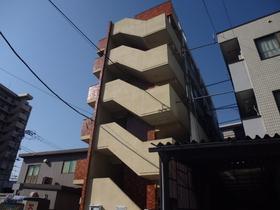 5階建てのマンションです!