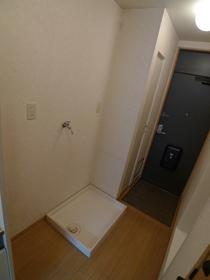 ベル ドゥムール 101号室