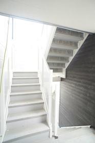http://image.rentersnet.jp/8d328abe8162e99e474c1e716c07e9ec_property_picture_962_large.jpg_cap_共同階段。