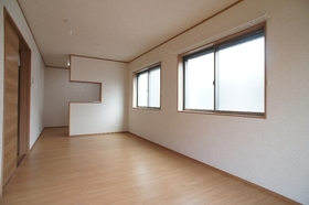 KUGAHARA�U E号室