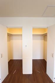 リバーサイドメゾン 102号室