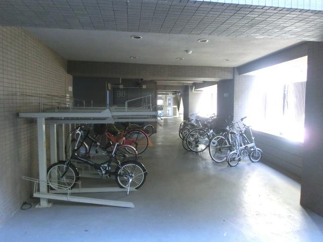 スカイコート三田慶大前壱番館駐車場