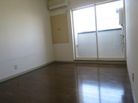 http://image.rentersnet.jp/8ff23e2b60d915c800c0bf4e3bbb69cf_property_picture_958_large.jpg_cap_居室