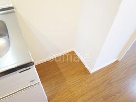 冷蔵庫置場はキッチン横です♪
