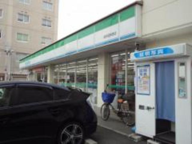 ファミリーマート高井田柳通店