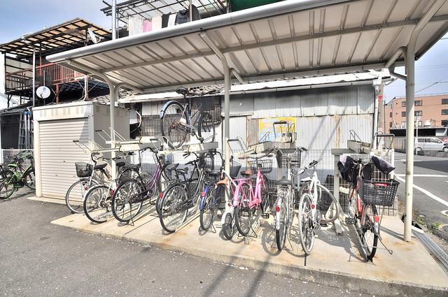 あなたの大事な自転車も安心してとめることができますね。