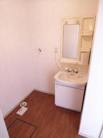 室内洗濯置場・独立洗面台です☆