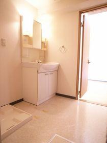 洗面脱衣所も広めのスペースでゆったりです。