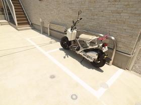 バイク置場も完備(有料)