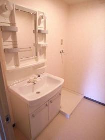 独立洗面台&脱衣所スペース!広さもあってファミリーにオススメ!別のお部屋の写真です
