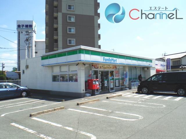ファミリーマート東櫛原店