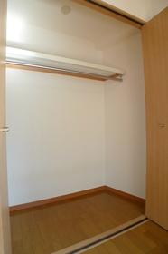 ハイネスオートリ 204号室