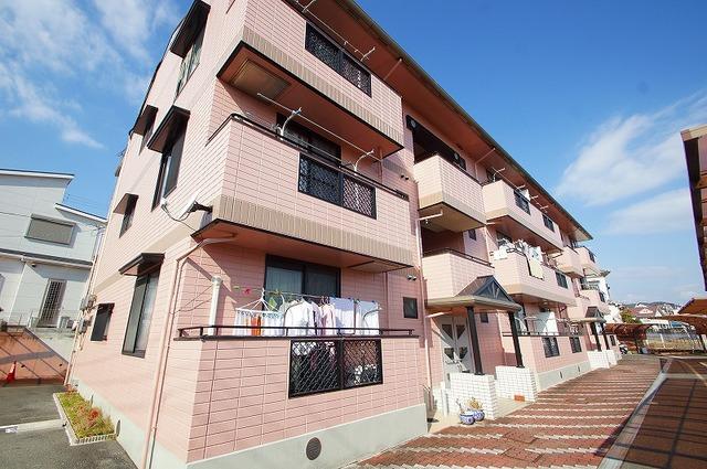 大阪府茨木市上穂積の賃貸マンションの外観