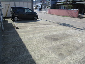 http://image.rentersnet.jp/98077d29-18d5-4a4a-8acc-11b2ff8d0b1e_property_picture_959_large.jpg_cap_駐車場