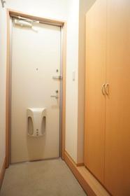 http://image.rentersnet.jp/98f270e0-930c-4160-ad68-5ee74aa197b1_property_picture_961_large.jpg_cap_玄関