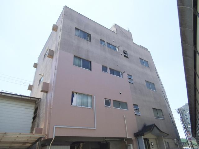 日当たり良好な4階建てマンション☆