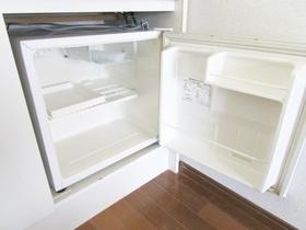 ミニ冷蔵庫完備。