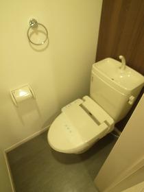 嬉しいウォシュレット付きのトイレです♪