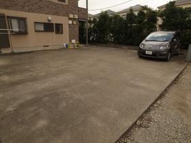 駐車場は平置きですよ~!