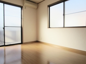 2面採光でとても明るいお部屋です!
