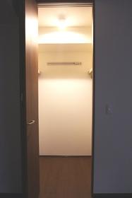 レジデンス すずらん 102号室