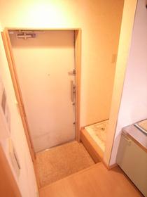 もちろん室内洗濯機置場完備です!