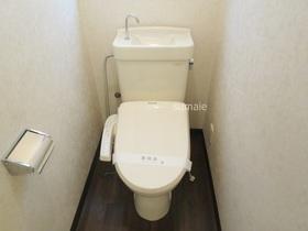 ウォシュレット付トイレ。